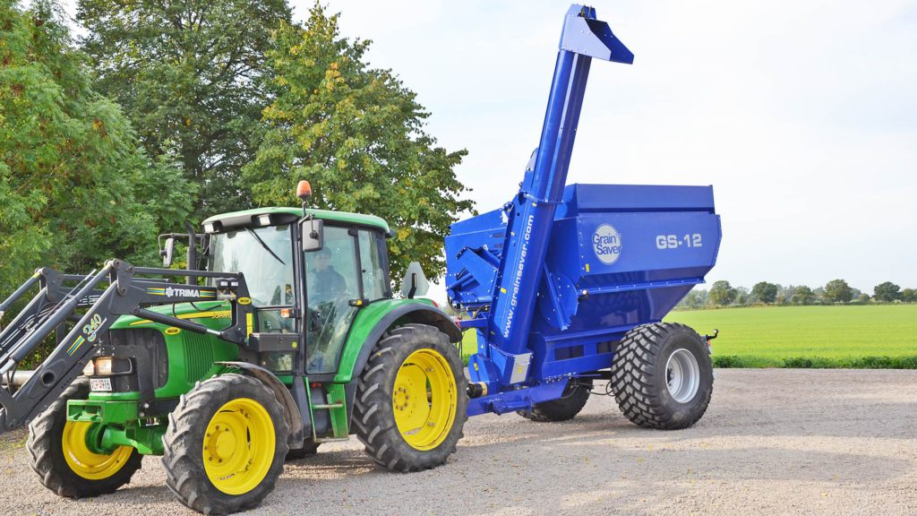 gs-12 grain cart with auger up