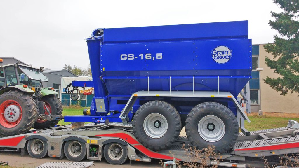 gs-16 grain cart on trailer