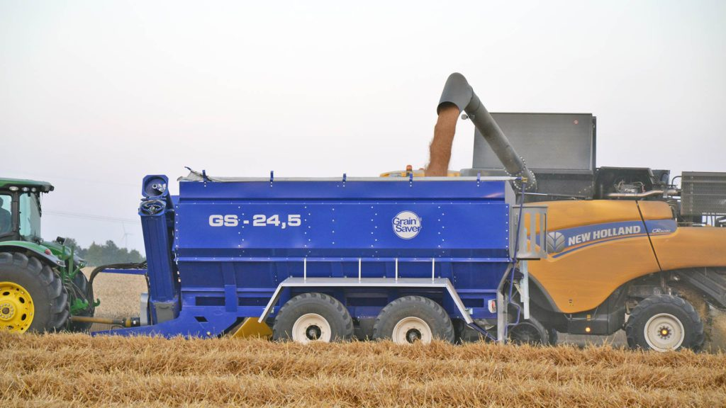 gs-24 chaser bin with new holland harvester