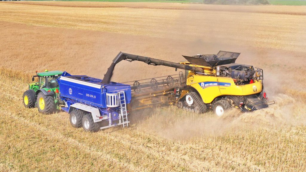 Grain Saver grain trailer gs-24,5 with new holland harvester