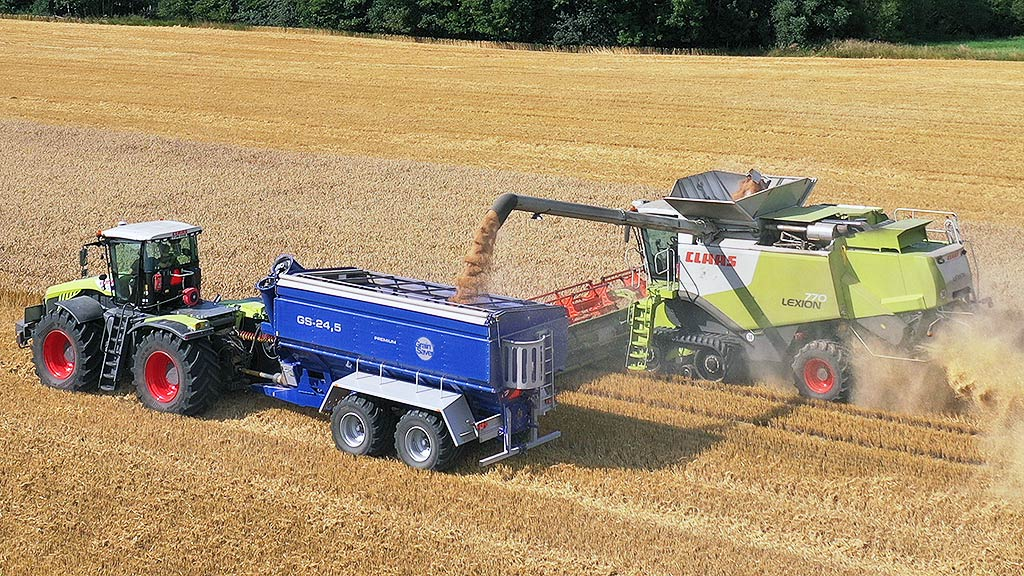gs-24 grain cart with claas harvester
