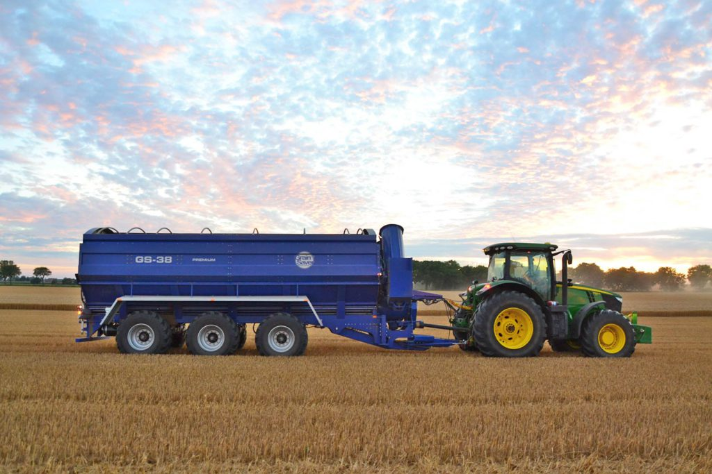 gs-38 grain cart in field